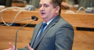 Veras critica descaso do governo com as escolas públicas do DF