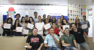 Projeto voluntário oferece curso pré-Enem a alunos de todo o Brasil