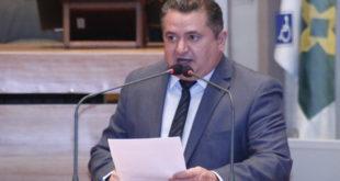 Veras critica a lei que estabeleceu a Base Nacional Comum Curricular