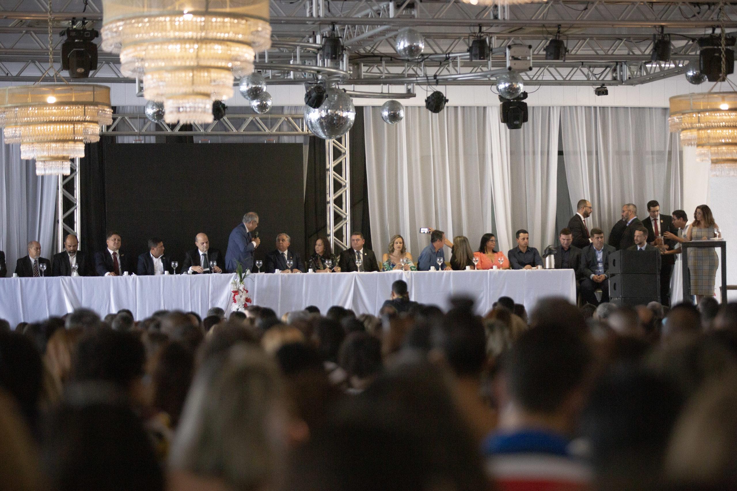 Veras participa da solenidade de posse dos novos diretores da SE