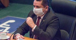 """Covid -19: Veras critica postura de Ibaneis em defender reabertura """"sem restrição"""""""